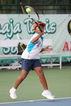 Niken Feriyana@tenisfoto-rovitavare